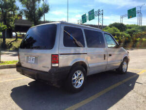 1995 Plymouth Voyager - Adapté