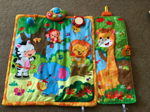 Jungle Giggle & Grow Playmat