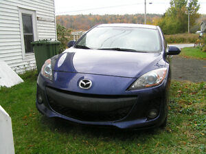 2012 Mazda3 Hatchback VERY LOW KMs great shape well maintained