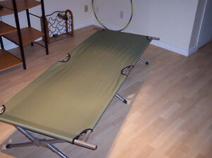Camp cot extra wide