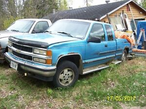 1995 GMC cheyenne extended cab 4x4 for parts