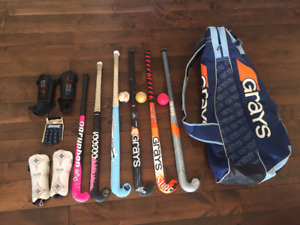 Field Hockey bag with 6 sticks, balls, glove and shin pads