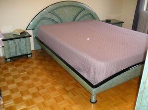 BED ROOMSET/ENSEMBLE DE CHAMBRE