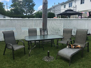 PATIO SET EXCELLENT CONDITION SAN ANDRES CLUB PISCINE