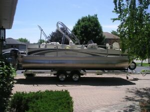 2006 Bennington Pontoon Boat