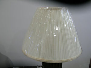 New- off white pleated lamp shade