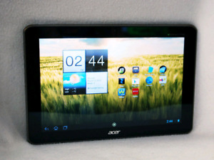 Acer ICONIA A210 10 inch tablet w/ leather case