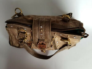 Womans Purse / Baby Phat / Brown