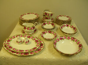 Dinnerware – Royal Albert Bone China – Old English Rose
