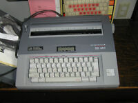 Smith Corona Spell Right Memory Electric Typewriter+books