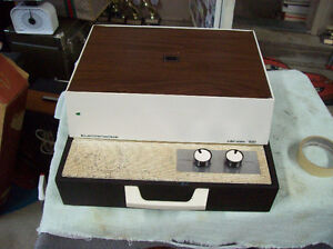 VINTAGE ELECTROHOME PORTABLE RECORD PLAYER