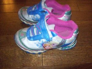 Disney Frozen Runners, Girls Size 12