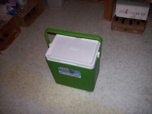 Coleman 20 can cooler like new