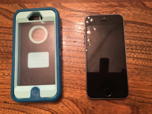 Used iPhone 5s - 16gb/Otterbox Case