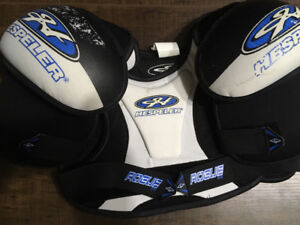 Hockey shoulder pads size junior large