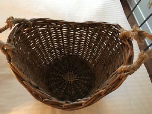 Basket with rope handles