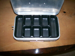 Umco Small Double Sided Aluminum Tackle Box Model P-9 Windsor Region Ontario image 2