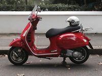 RED VESPA GTS 125 CC
