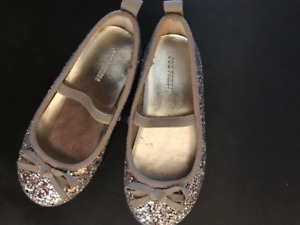 Girl Glitter shoes Size 8