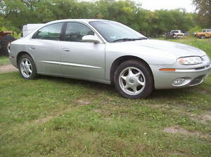 2000 Oldsmobile Aurora Sedan