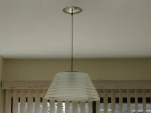 CEILING LIGHT FIXTURE LIKE NEW