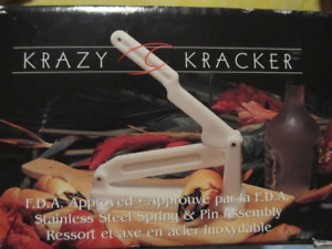 BNIB Krazy Kracker, nut & shellfish claw cracker.