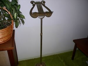 MUSIC STAND IN SOLID BRASS