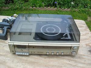 Hitachi AM/FM Cassette Turntable Vintage