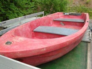 Row/motor boat