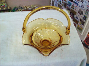 GOLD AMBER HEAVY ART GLASS BASKET