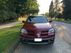 Mitsubishi Outlander  AWD  ( First Owner )