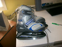 BOY'S ADJUSTABLE SKATES SIZE J11TOJ13,GIRLS SKATES 8/9