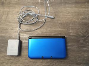 Nintendo 3DS XL (Includes 2 games)