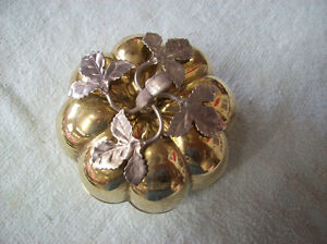 APPLE SHAPED METAL AND PEWTER JEWELRY BOX