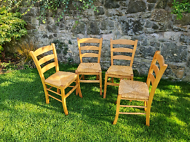 Set of 4 solid wood kitchen chairs with woven seats