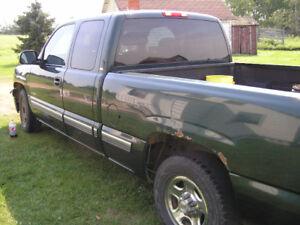 2002 Chev Silverado Truck in Lamont