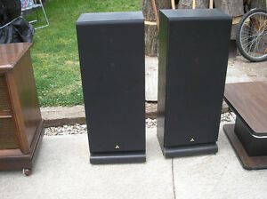 Mitsubishi Speakers, Made in Japan.