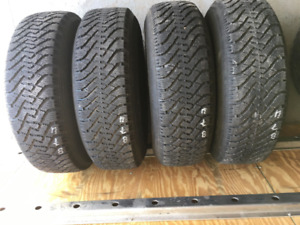 4 pneus hiver Goodyear Nordic 235/75R15 pour Ford Ranger