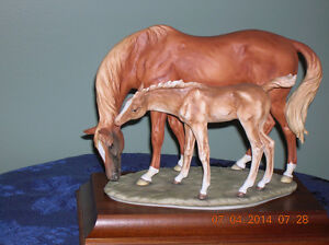 Beswick Figurine Thoroughbred Mare and Foal
