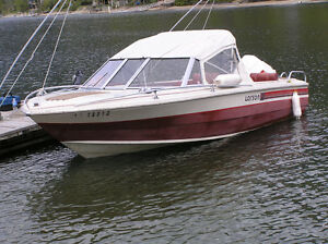 Larson 16 ft motorboat with 140 hp Johnson outboard motor
