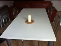 LAST DAY Wooden dining table with chairs
