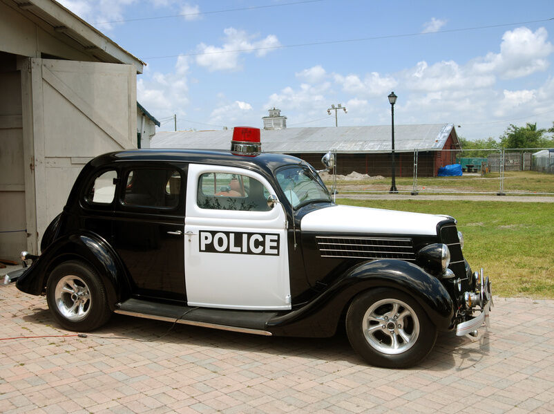 what to look for when buying a vintage police car ebay. Black Bedroom Furniture Sets. Home Design Ideas
