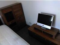 Furniture set Looks like new -2 door wardrobe, TV table and bookshelf