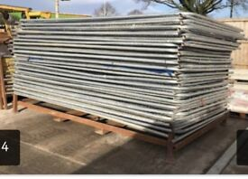 3.45m *USED round top heras fencing