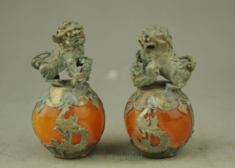 OLD TIBET SILVER HAND CARVED AMBER DRAGON PHOENIX BALL LION STATUE PAIR