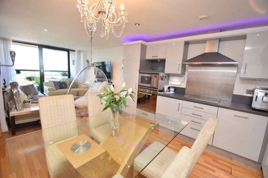 luxury 2 bed room with great viewing