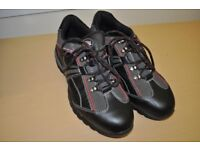 Mens Dickies trainers -- virtually new -- size 8