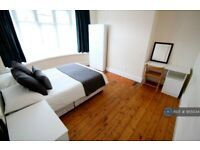 3 bedroom house in Brookleigh Road, Manchester, M20 (3 bed) (#955034)