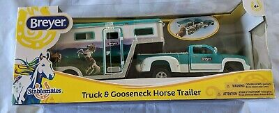 Breyer 5356 Stablemates Pick-Up Truck and Gooseneck Trailer