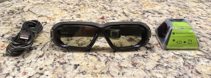 Nvidia 3d Vision 2 Kit with Glasses, IR Emitter and cables - Shipped Fast!!